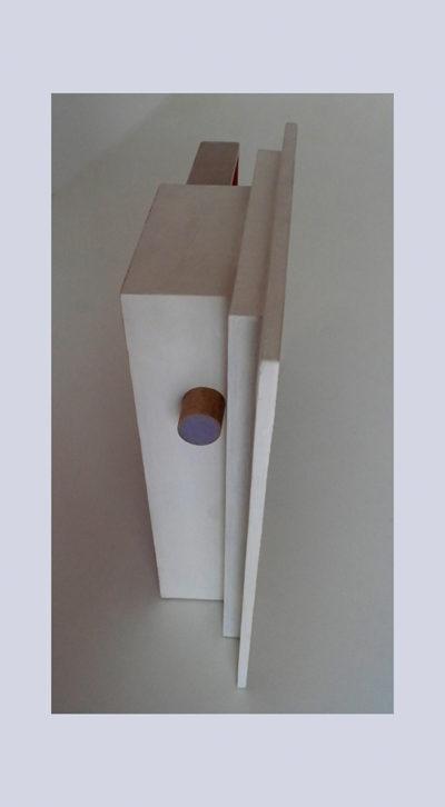 DE DENTRO B - 42,5x41x12 cm - Reciclaje y Ensamblado - Serie Poemas Visuales - Proyecto S.O.Stenible - 2013 - Gata de Gorgos.