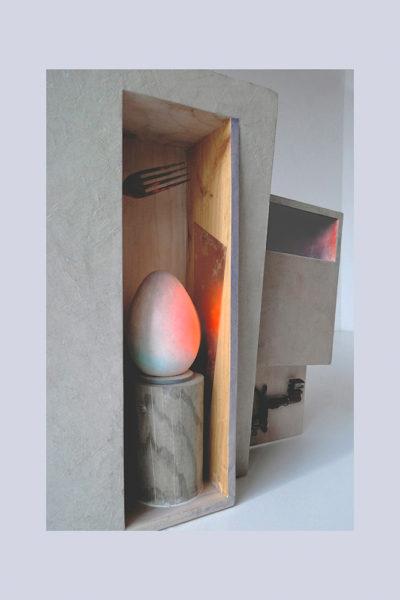 DE DENTRO D - 42,5x41x12 cm - Reciclaje y Ensamblado - Serie Poemas Visuales - Proyecto S.O.Stenible - 2013 - Gata de Gorgos.