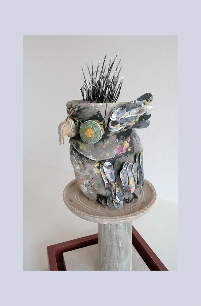 ESPECIE PROTEGIDA C - Buho 2º 55x31,6x27,3 cm - Oleo Reciclaje y ensamblado - Serie Animalario - Proyecto S.O.S.tenible - 2012 - Gata de Gorgos.