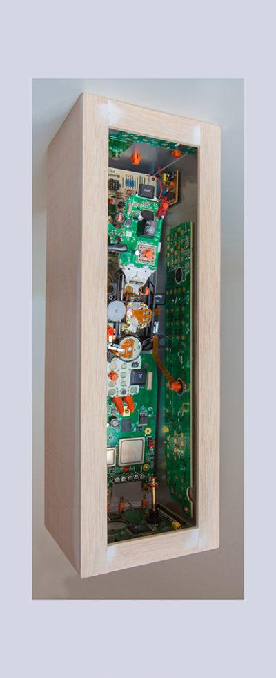 JACKER C - 40,6x13,7x13,6 cm -  Reciclaje y Ensamblado - Serie Sociedad Anónima - Proyecto S.O.S.tenible - 2016 - Gata de Gorgos.