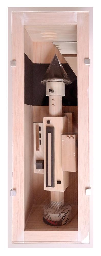 MENTIROSIONAL C - 40'5x13'61x14'7 cm - Reciclaje y ensamblado - Serie Sociedad Anónima - Proyecto S.O.S.tenible - 2017 - Gata de Gorgos.