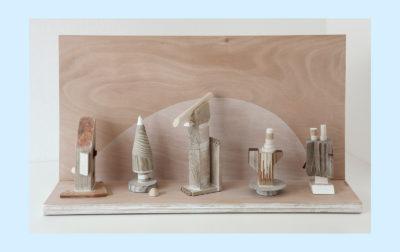 MUNDO IMAGINARIO A - 42'5x80x20 cm - Reciclaje y ensamblado - Serie Poemas Visuales - Proyecto S.O.S.tenible - 2017 - Gata de Gorgos.