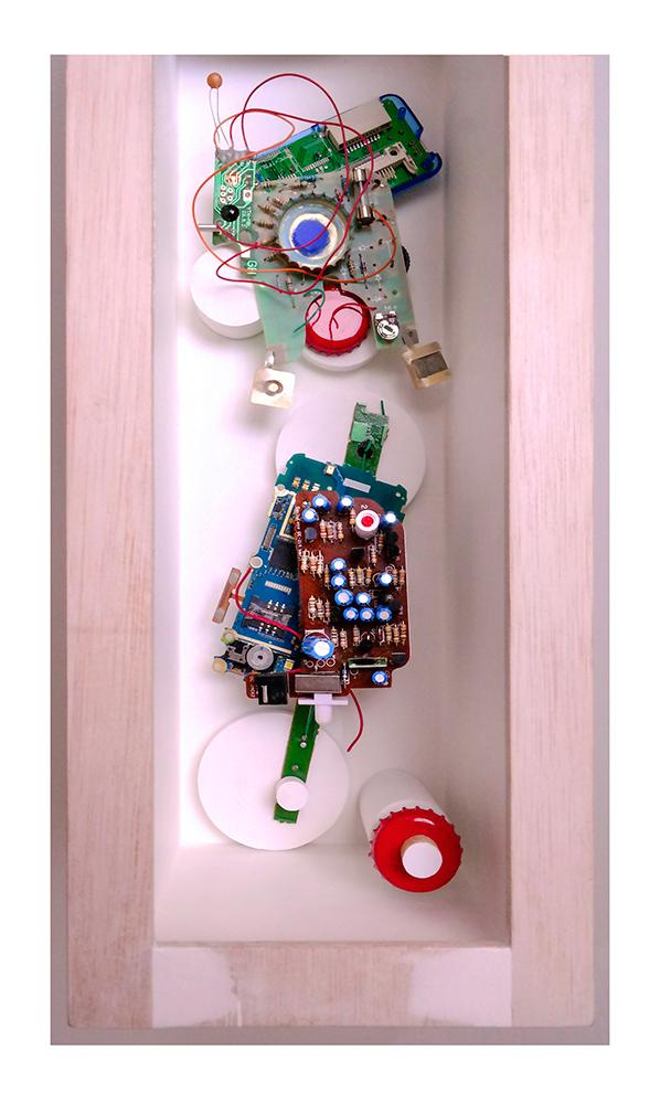 NIÑA BONITA B - 40'5x13'5x14'5 cm - Reciclaje y ensamblado - Serie Sociedad Anónima - Proyecto S.O.S.tenible - 2017 - Gata de Gorgos.
