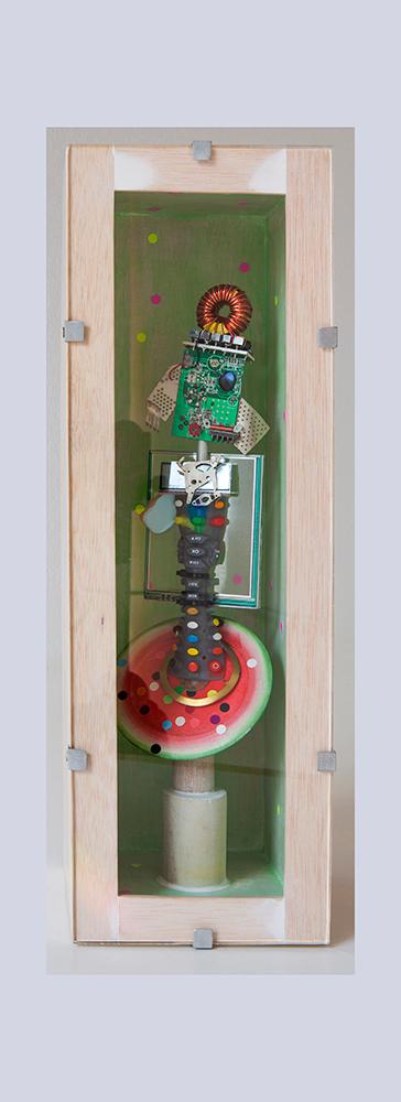 PAYA AFLAMENCADA A - 40,6x13,7x13,6 cm - Reciclaje y ensamblado - Serie Sociedad Anónima - Proyecto S.O.S.tenible - 2016 - Gata de Gorgos.
