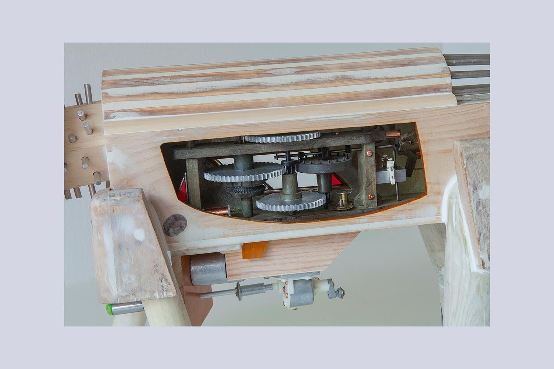 PERRODRILO D - 46x119x23 cm - Reciclaje y Ensamblado - Serie Animalario - Proyecto S.O.S.tenible - 2013 - Gata de Gorgos.