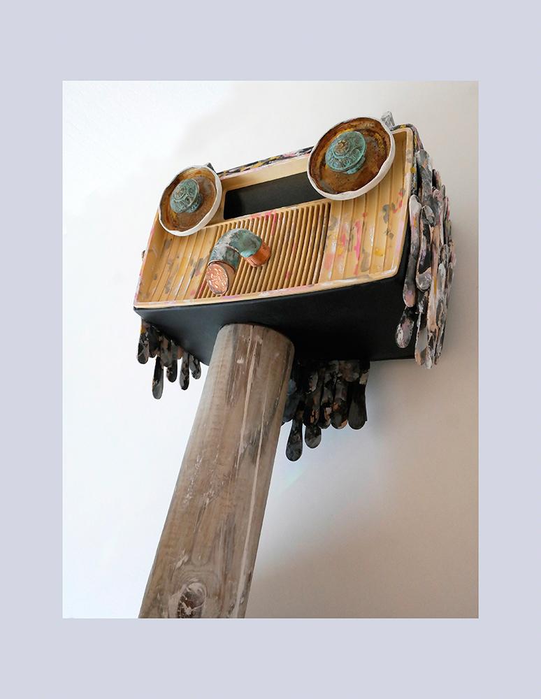 ESPECIE PROTEGIDA D - Buho 1º 58x47,5x27,3 cm - Oleo Reciclaje y ensamblado - Serie Animalario - Proyecto S.O.S.tenible - 2012 - Gata de Gorgos.
