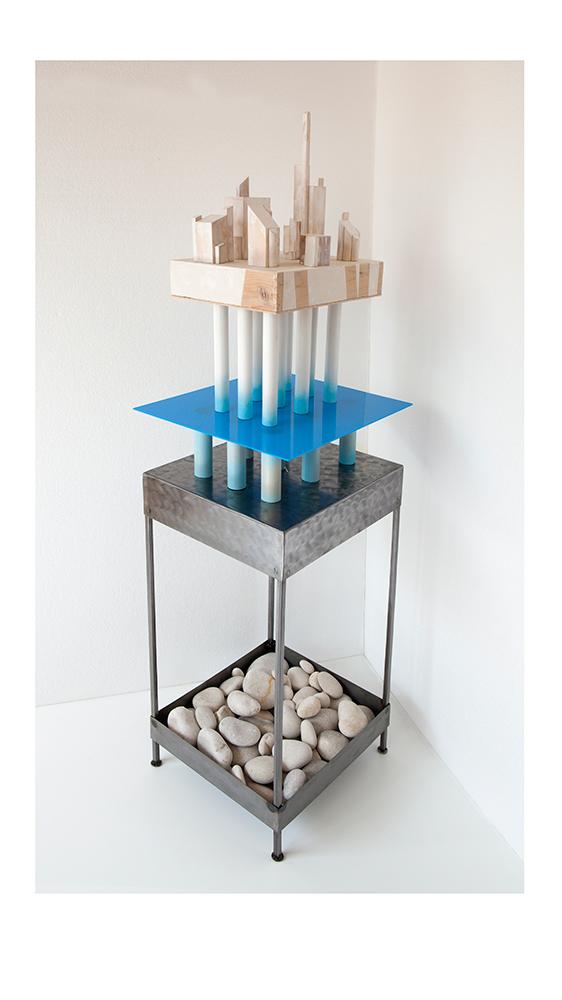 PALAFITO E Pedestal - 42x37x80 cm - Reciclaje y ensamblado - Serie Historias del Mar - Proyecto S.O.S.tenible - 2017 - Gata de Gorgos.