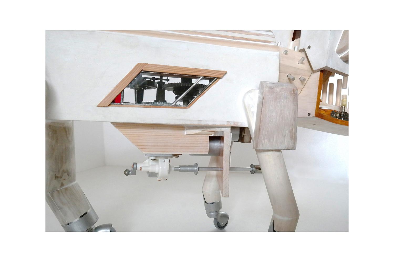 PERRODRILO B - 46x119x23 cm - Reciclaje y Ensamblado - Serie Animalario - Proyecto S.O.S.tenible - 2013 - Gata de Gorgos.