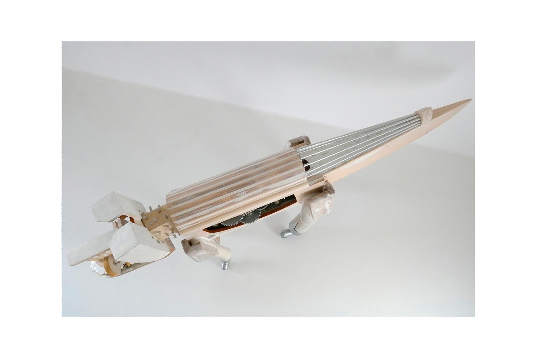 PERRODRILO E - 46x119x23 cm - Reciclaje y Ensamblado - Serie Animalario - Proyecto S.O.S.tenible - 2013 - Gata de Gorgos.